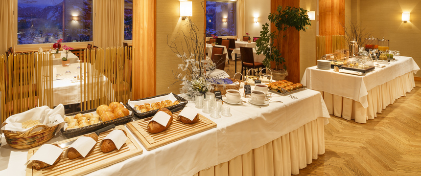 Beausite Park & Jungfrau Spa, Wengen, Bernese Oberland, Switzerland - breakfast buffet.jpg